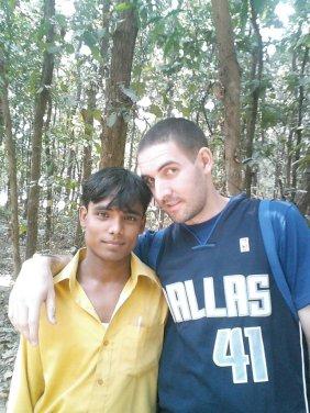 con cocinero en Bangladesh