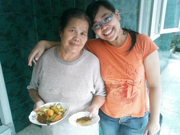Ferina y Mamá en Medan Indonesia