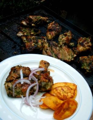 pollo grillado al estilo de camerún