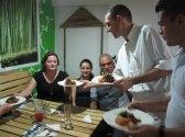 Servicio desde la cocina hasta la mesa!  Personalized service from the kitchen to the table!