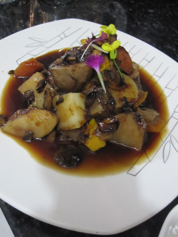 Estofado coreano en su reducción vegetariano, hecho por Sebastian Lopez Ocampo Sebastian's vegetarian Korean stew reduction.