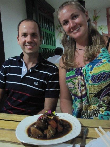 Disfrutando el evento coreano entre amigos. Friends enjoying our Korean cuisine event.