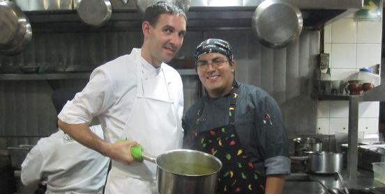 Aprendiendo en el restaurante Guzina Oaxaca, DF México